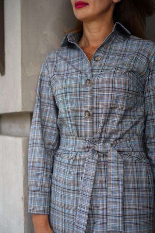 Платье-рубашка, крупный план