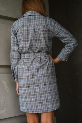 Платье-рубашка, вид сзади