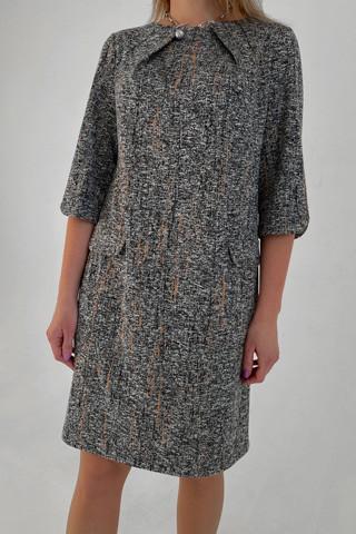 Платье прямого силуэта, увеличено