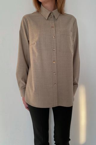 Рубашка из легкой костюмной ткани, увеличено